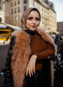 Tips Hijab Fashion: The Tucked-in