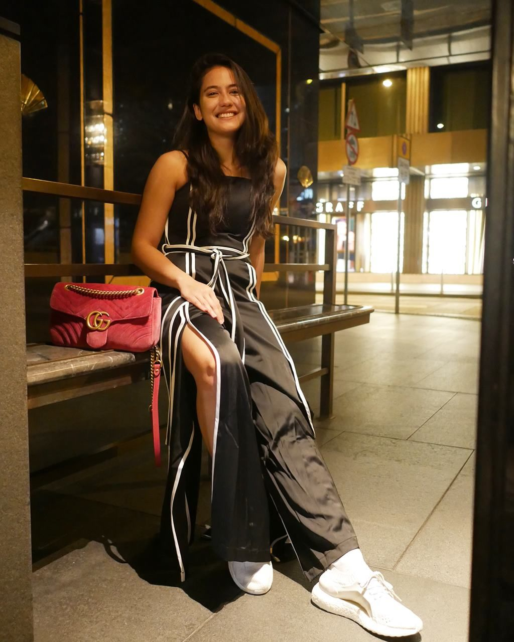 outfit pevita pearce